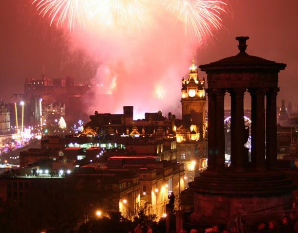 Edinburgh new years eve fireworks