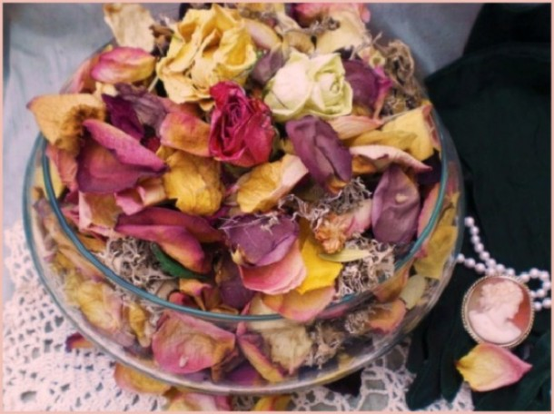 Mother's Day Craft: Make Potpourri Baskets