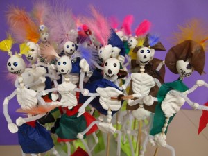 small calacas skeletons for day of the dead