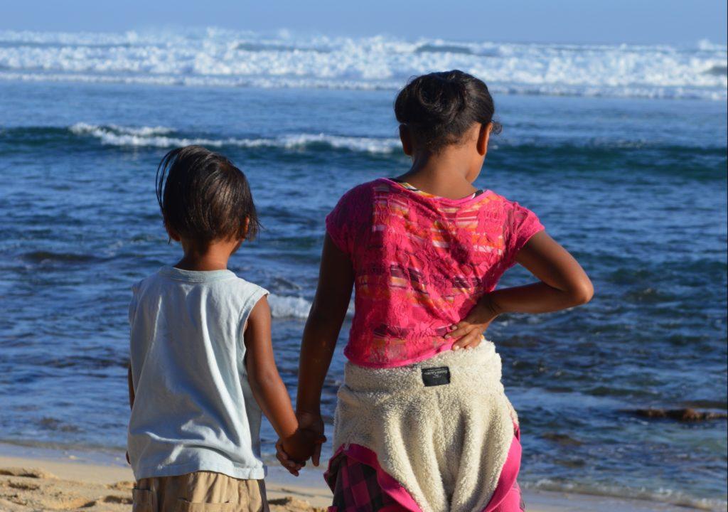 Hawaii two girls