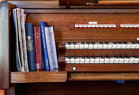 organ with books