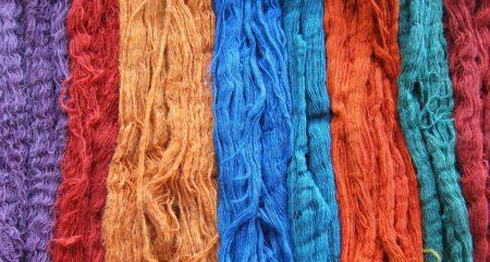 yarn string color