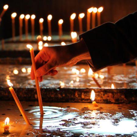 candle church pray