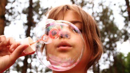kid bubble fun summer