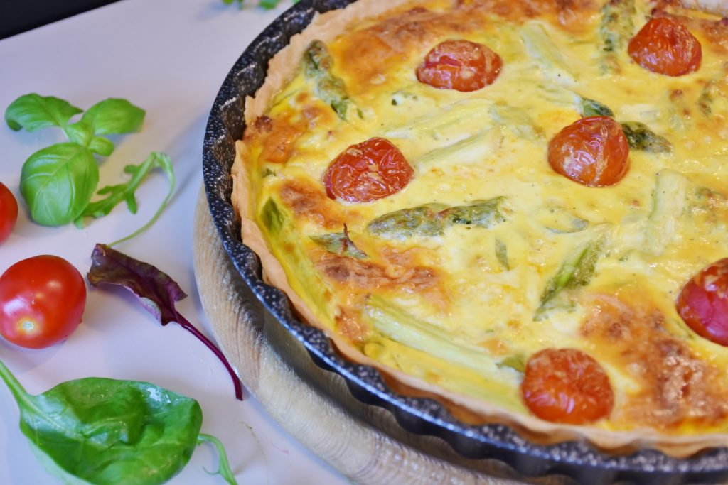 Quiche meal table