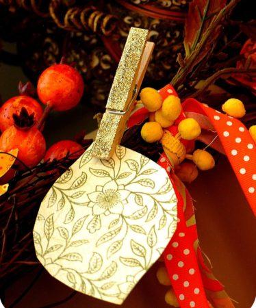 http://tatertotsandjello.com/2010/10/thanksgiving-project-make-thankful.html